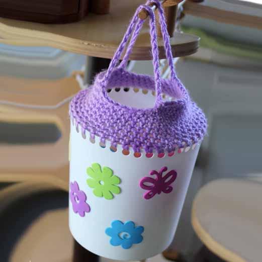 Bolsos y colgantes con envases y ganchillo facil simos for Manualidades de ganchillo bolsos