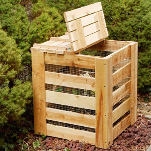 Contenedor para compost con madera reciclada for Como hacer una puerta con tablas de madera