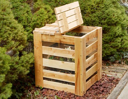 Contenedor para compost con madera reciclada for Guarda herramientas para jardin