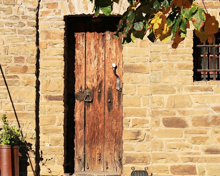 Aprende a restaurar la puerta de tu casa for Restaurar puertas interior casa